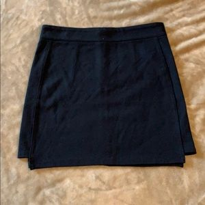 Forever 21 short black skirt size small